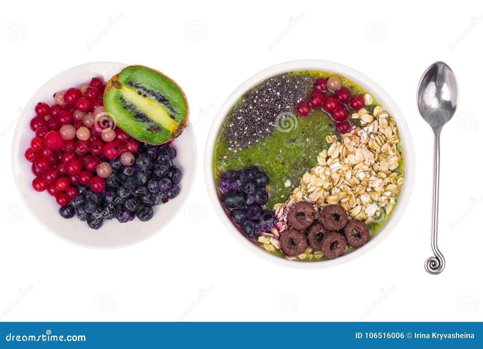 Sund vegetarisk Näring-frukt och Berry Smoothie With Oat Flakes och Chia Seeds