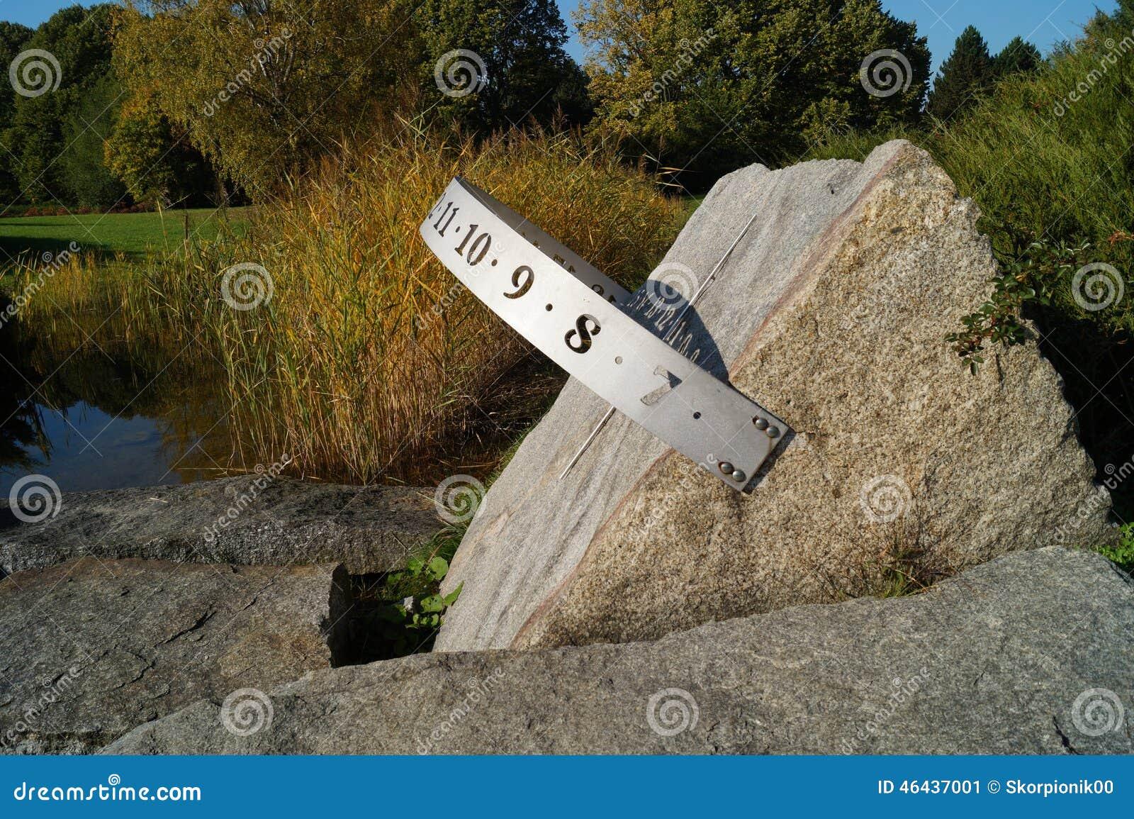 Sundial In The Autumn Garden Stock Image - Image of lodz, season ...