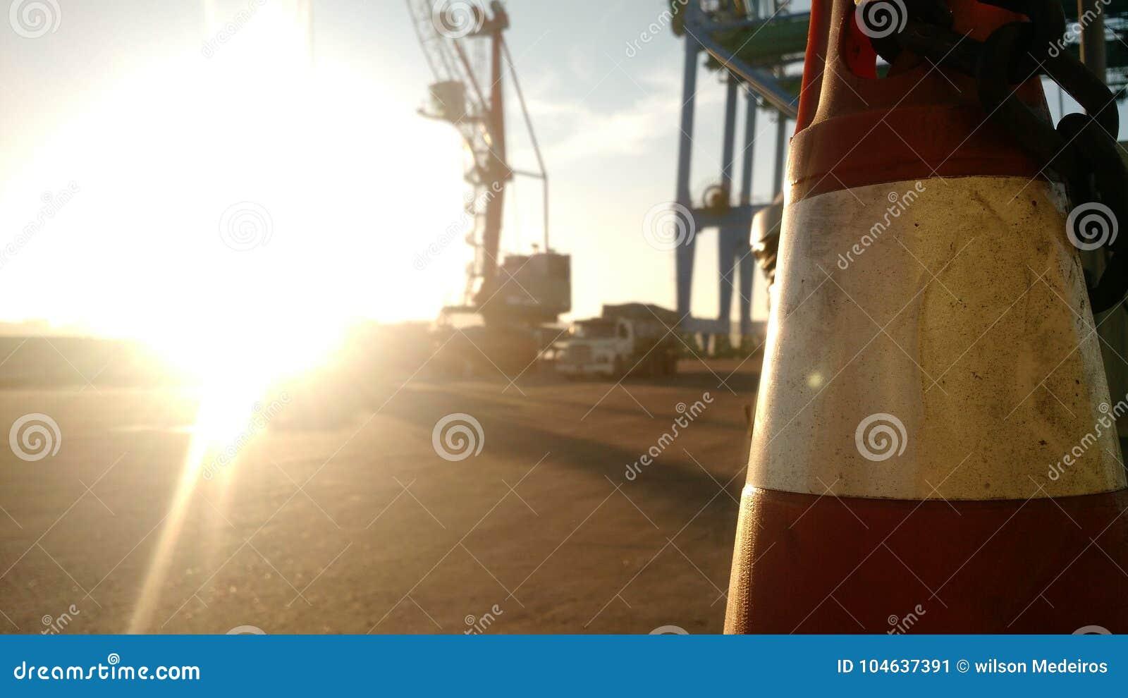 Download Sundown stock afbeelding. Afbeelding bestaande uit haven - 104637391