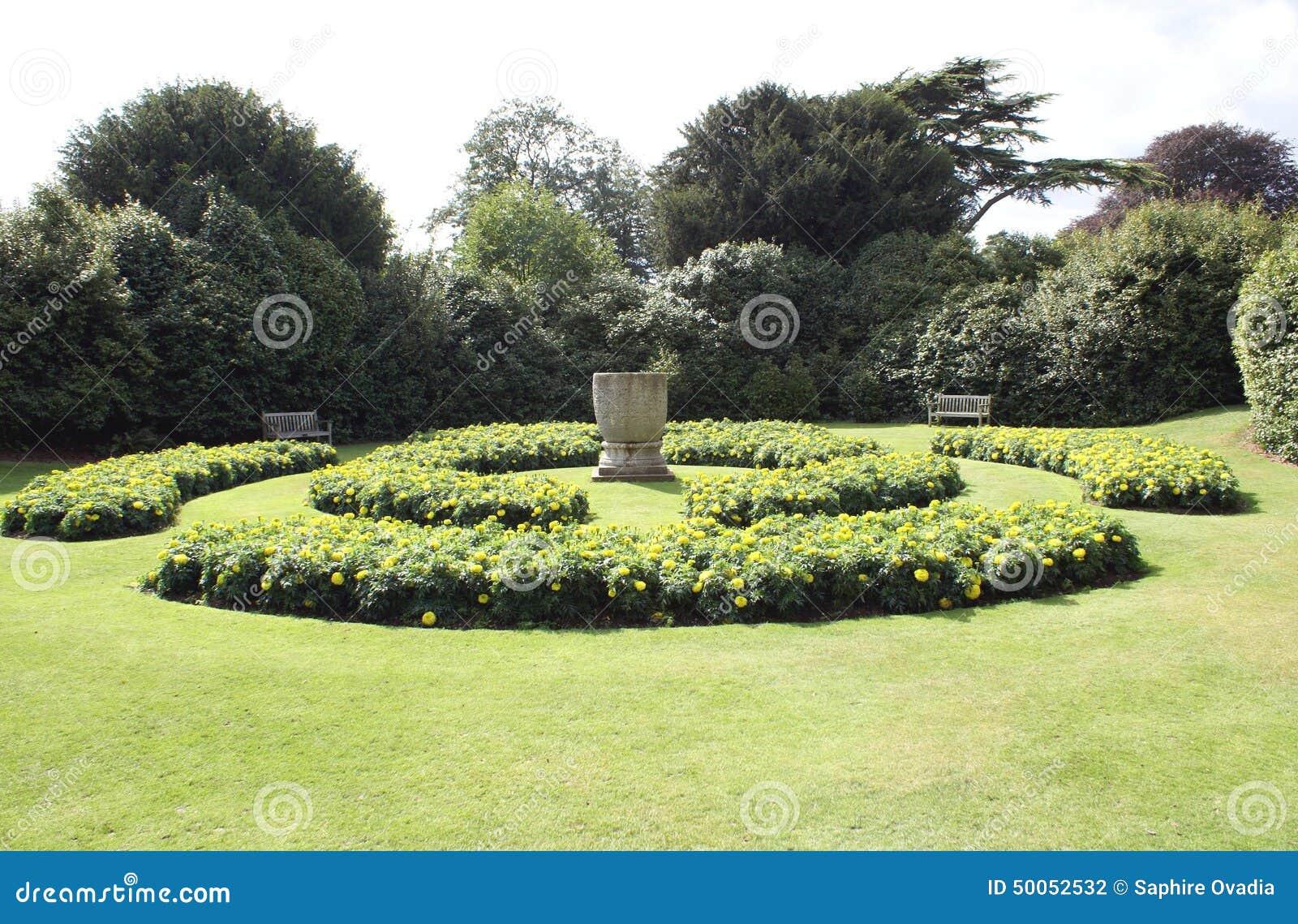 Download Sunken Garden. Flower Beds. Urn. Garden Scene Stock Photo   Image  Of
