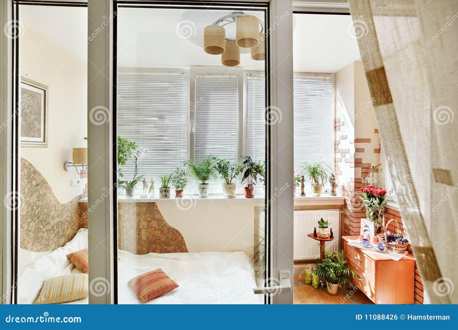 Фото дизайна лоджии 6 метров с занавесками