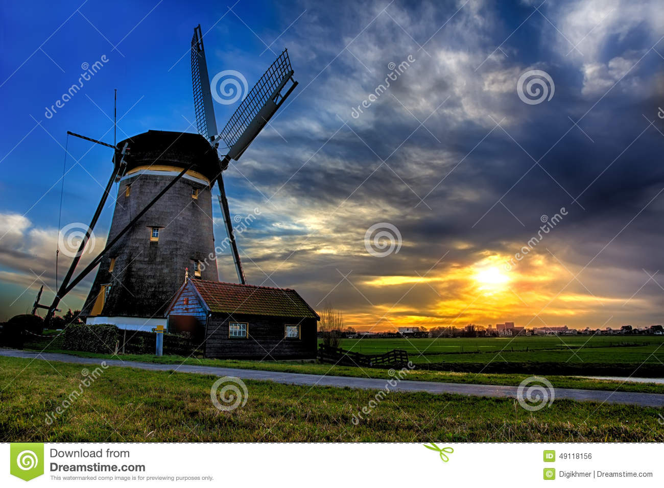Sunrise House and the Giant of Netherlands