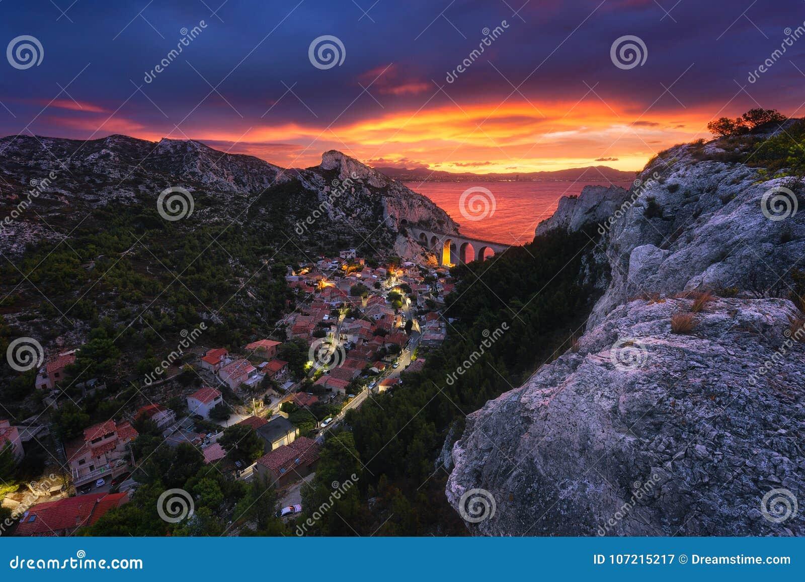 Sunrise Marseille La Vesse