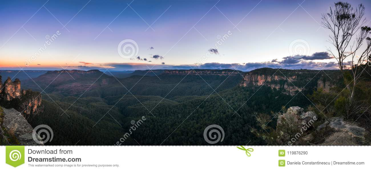 Download Sunrise Panorama At Ecco Point In Blue Mountains Stock Photo - Image of ecco, cliff: 119876290