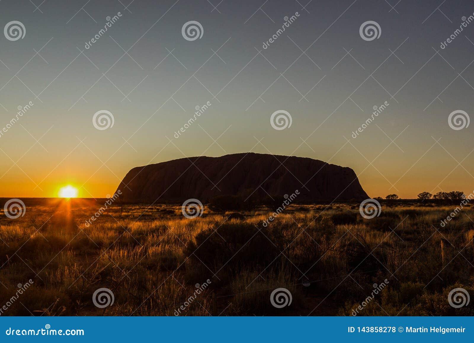 Sunrise at Uluru, ayers Rock, the Red Center of Australia, Australia