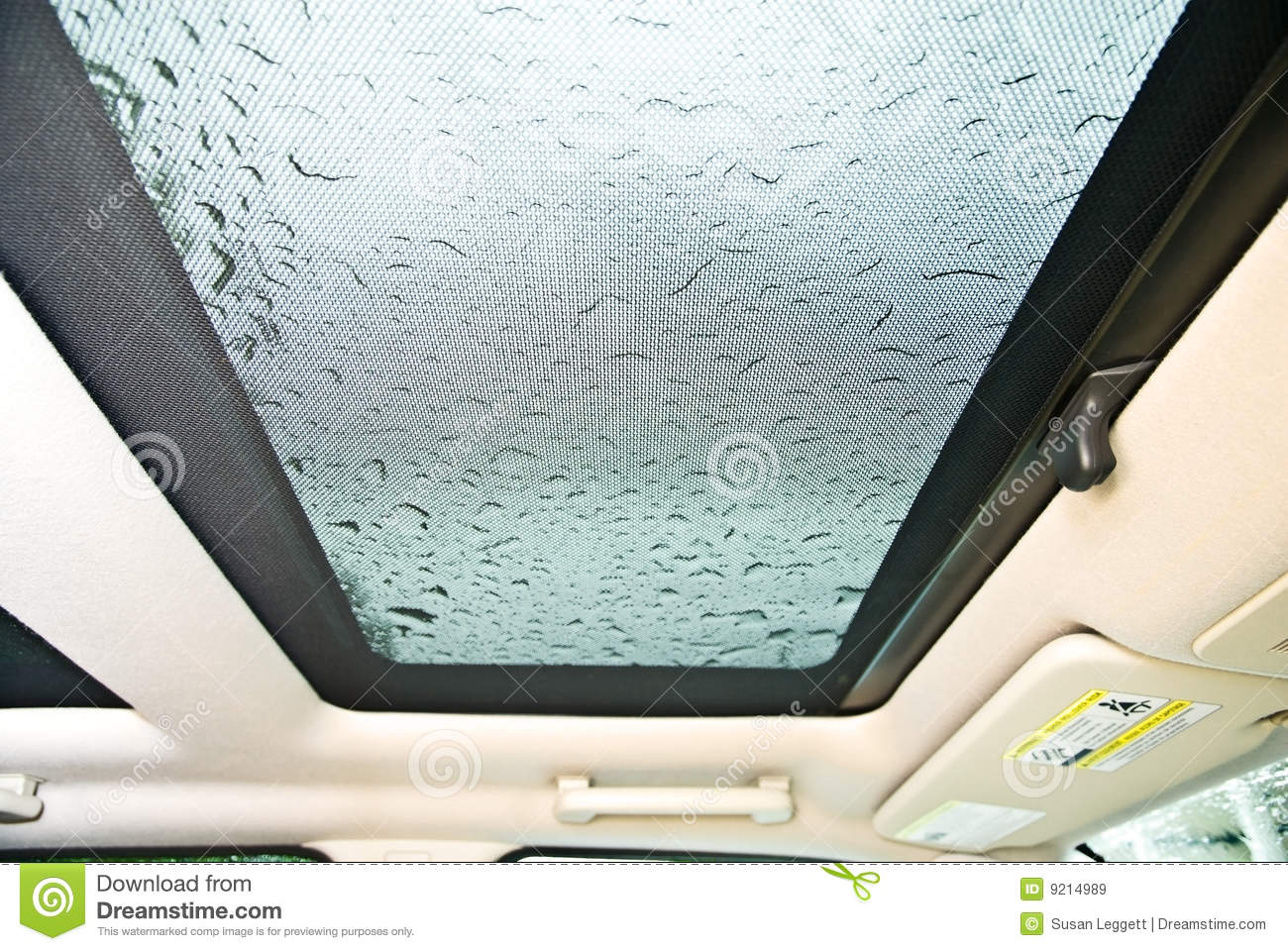 sunroof car rain royalty free stock images image 9214989. Black Bedroom Furniture Sets. Home Design Ideas