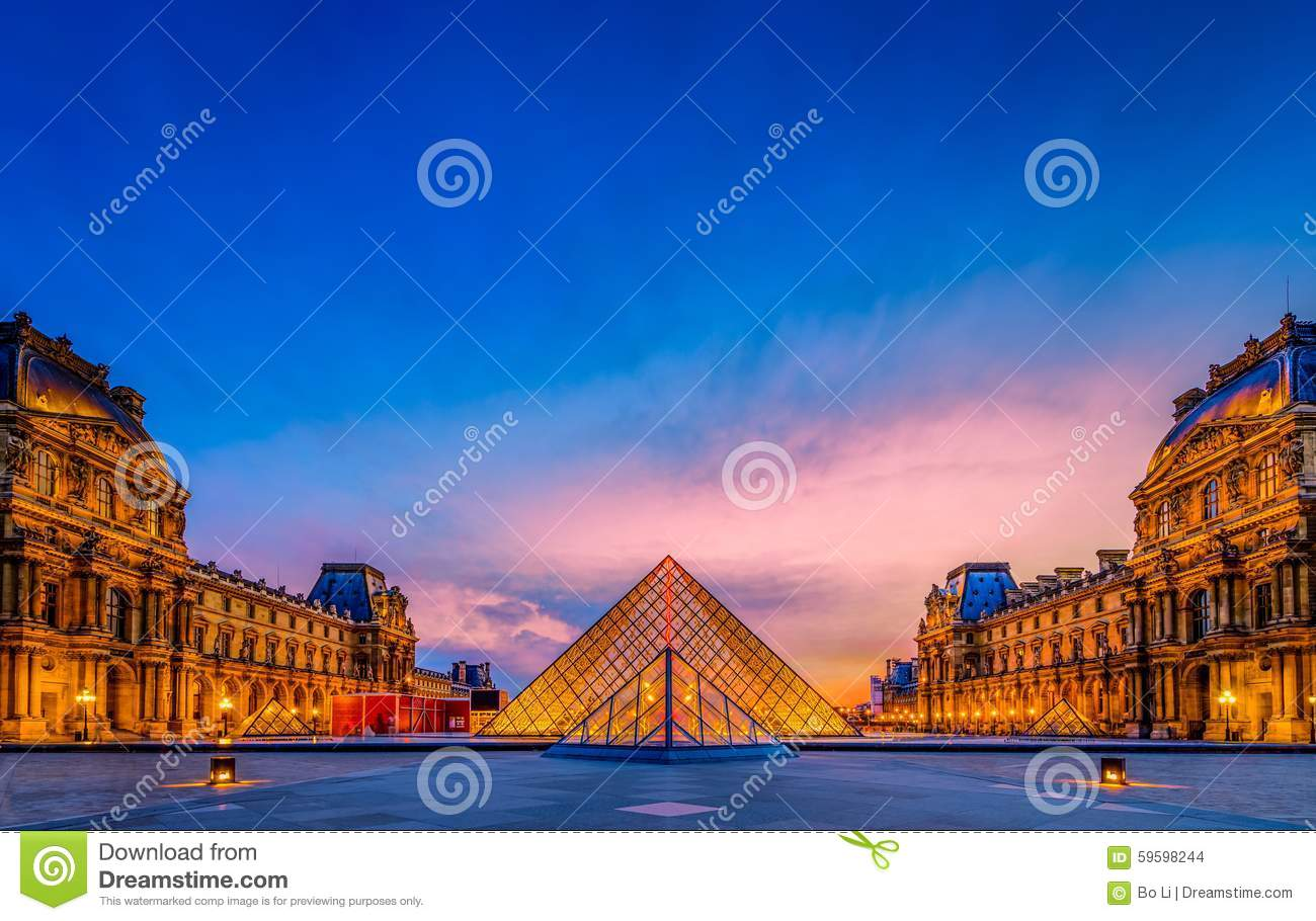 The sunset of The Louvre Museum