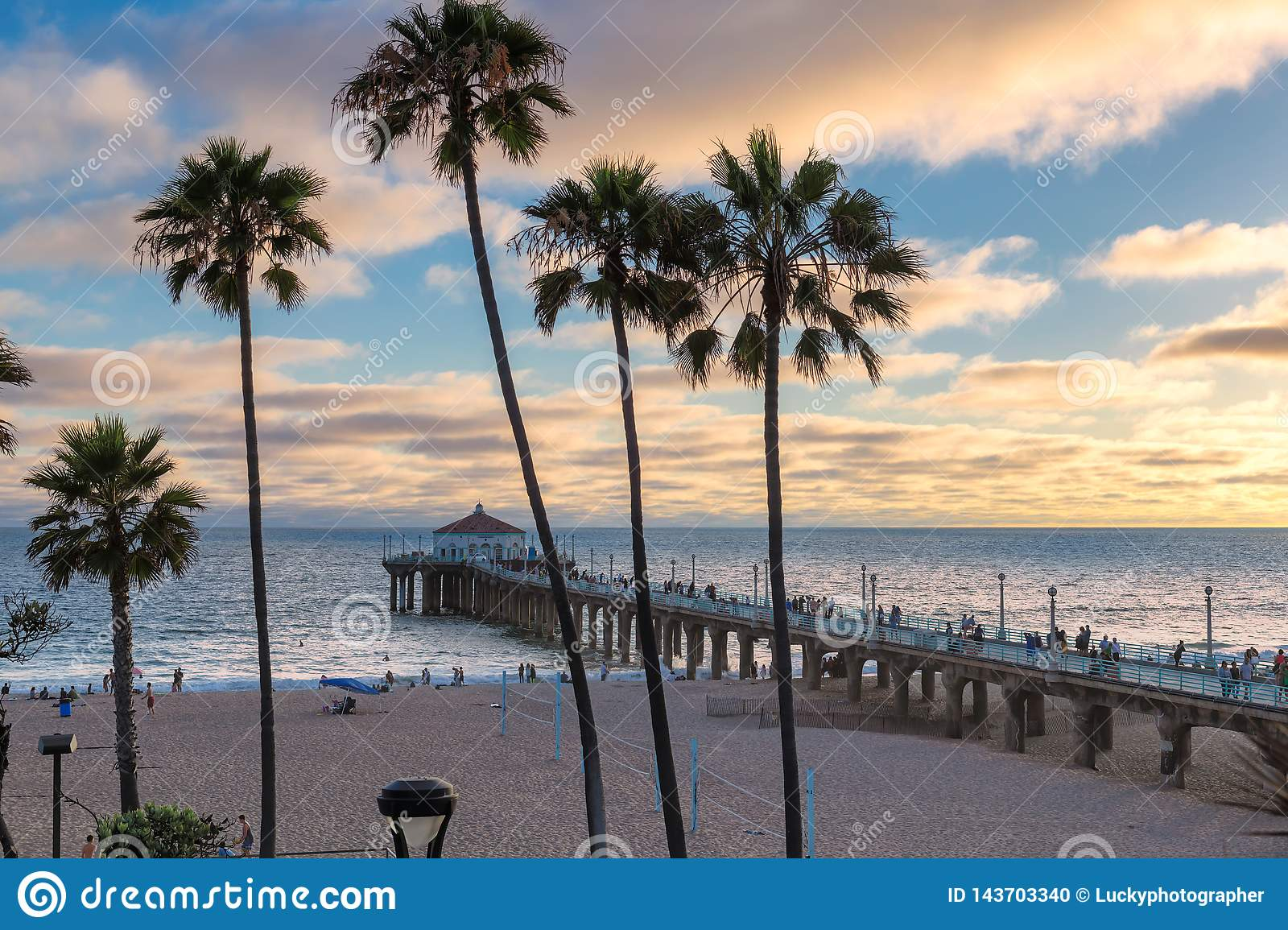 Sunset At Manhattan Beach In Southern California Los Angeles Stock Photo Image Of Shore Evening 143703340