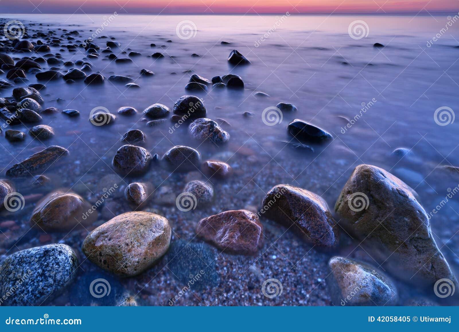 on stones ocean - photo #11
