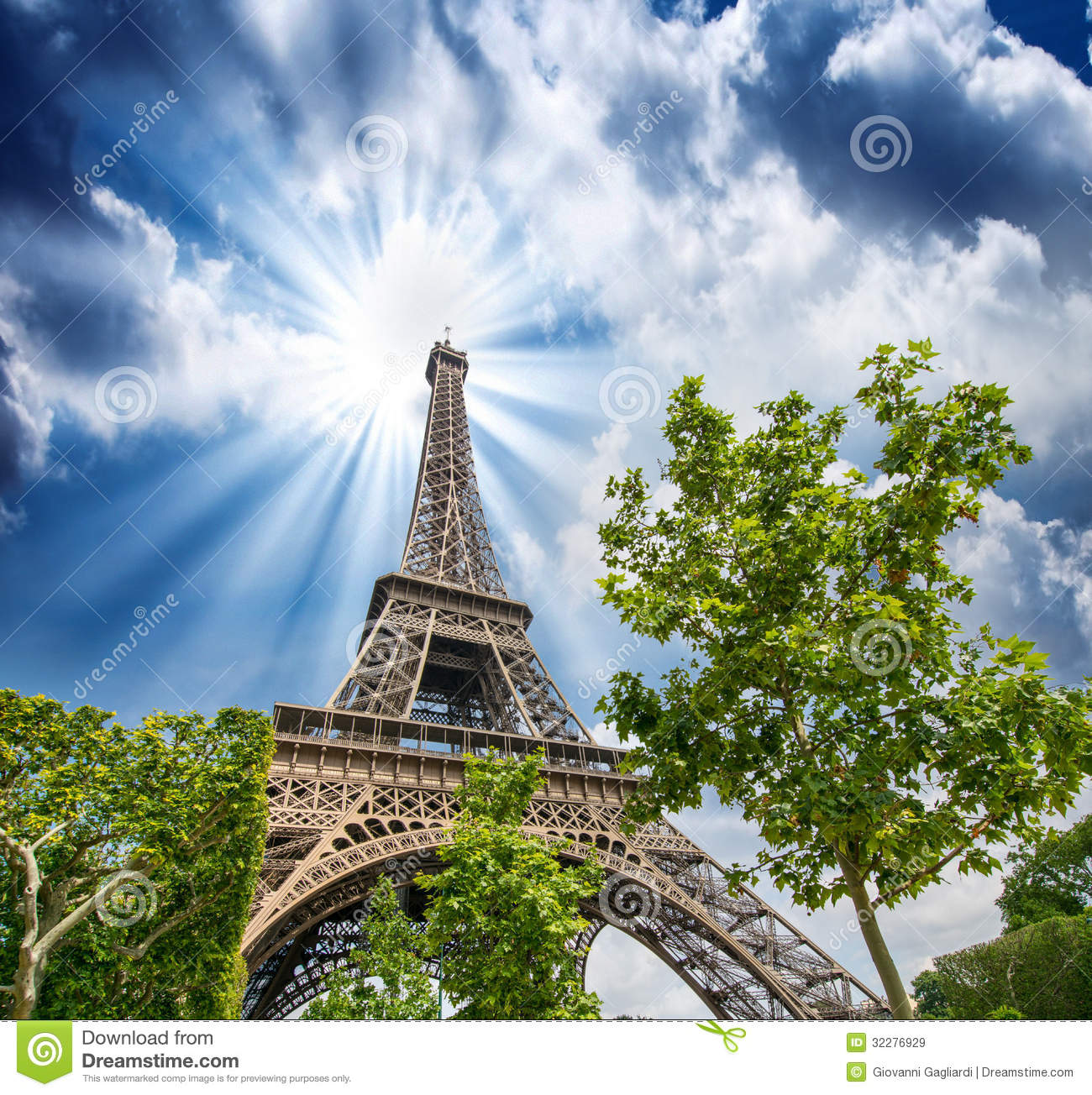 sunset sky above eiffel tower paris la tour eiffel from champ stock image image 32276929. Black Bedroom Furniture Sets. Home Design Ideas