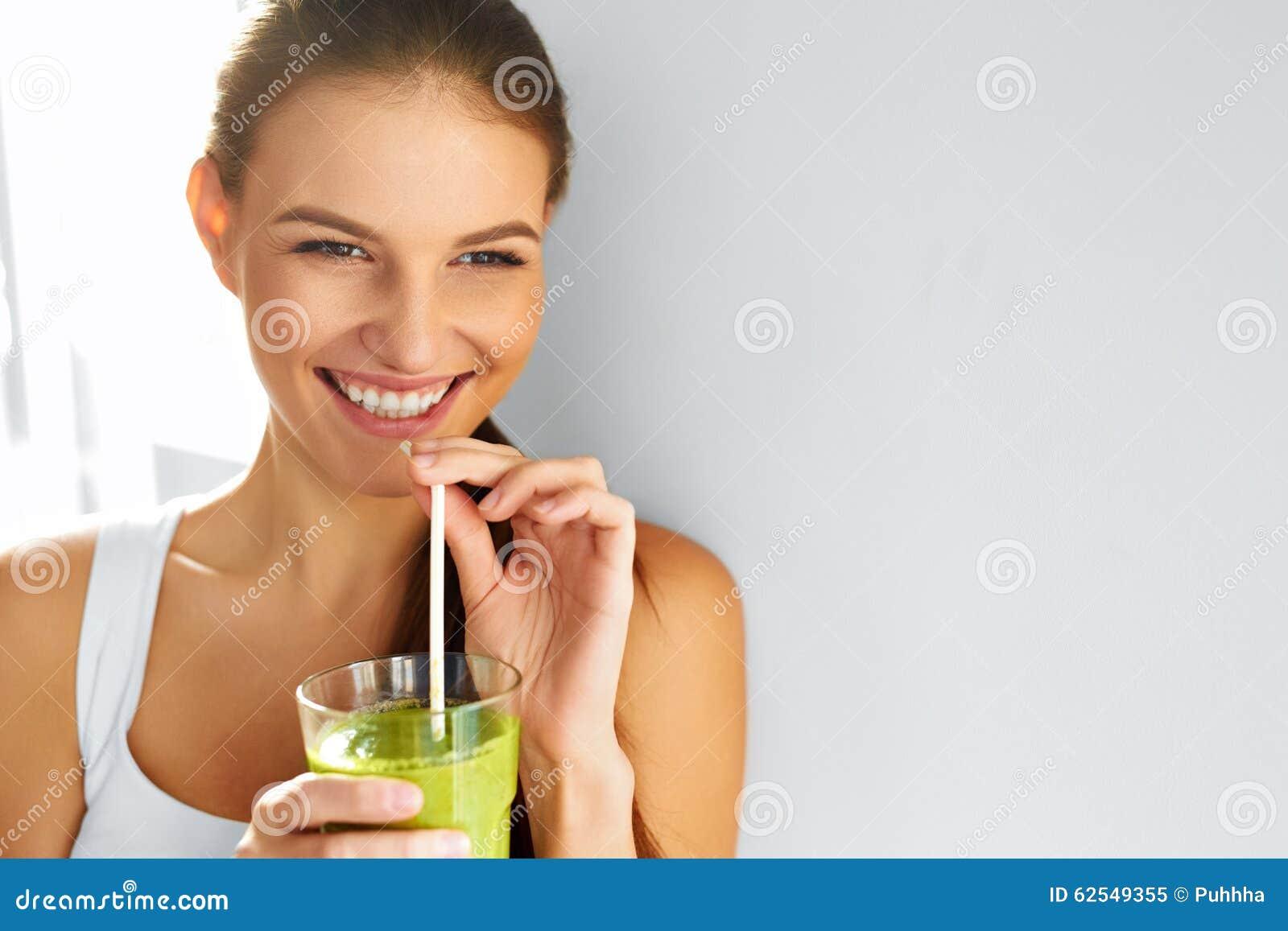 Sunt äta för mat dricka smoothiekvinna banta livsstil n