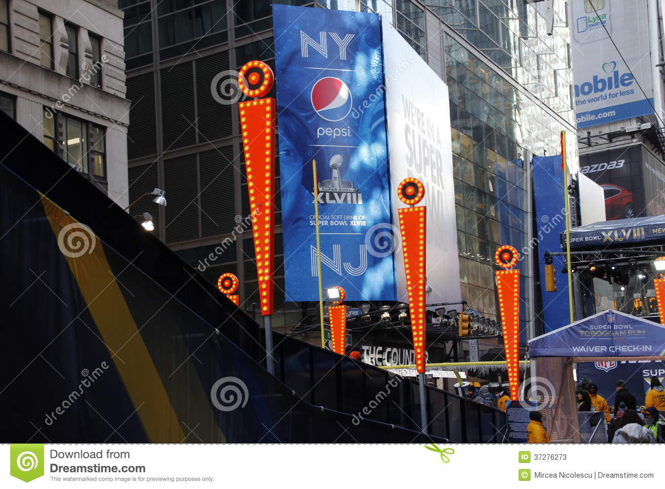 Super bowl boulevard editorial stock photo image 37276273 for Activities in times square