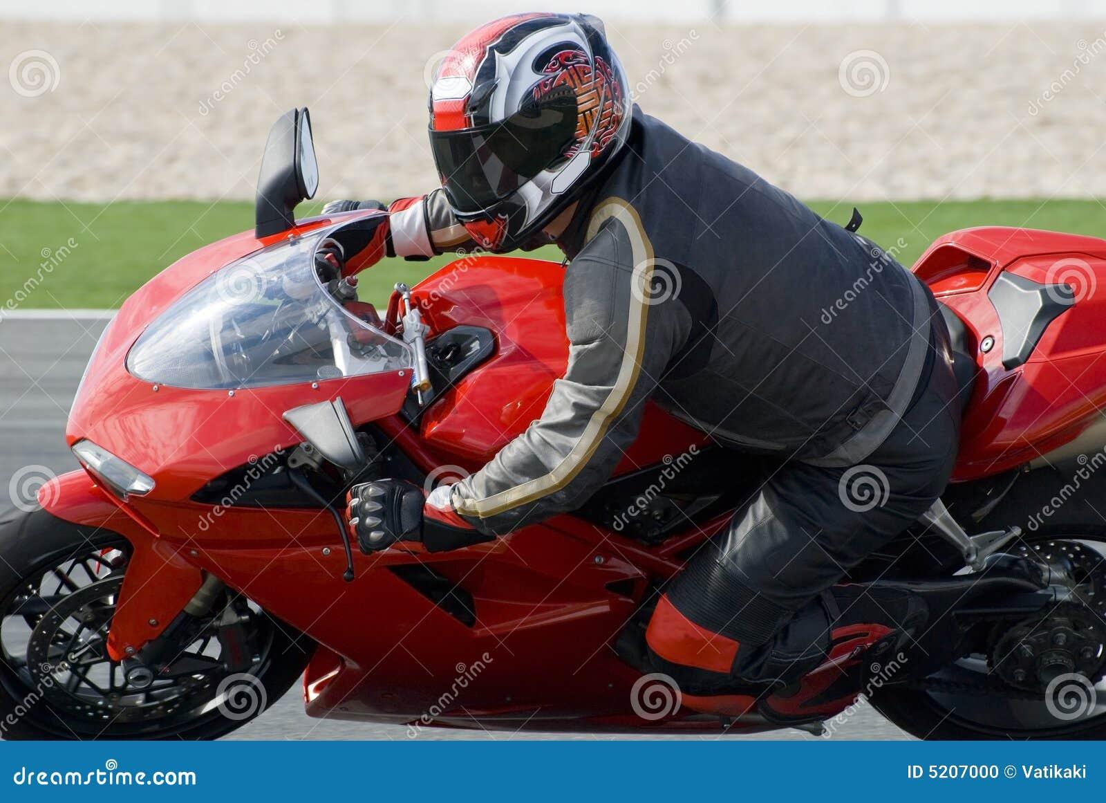 Superbike die op spoor rent