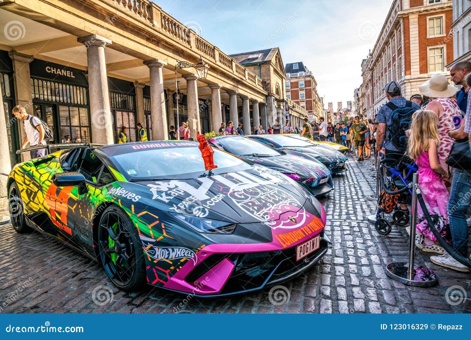 Supercar Lamborghini Aventador in London