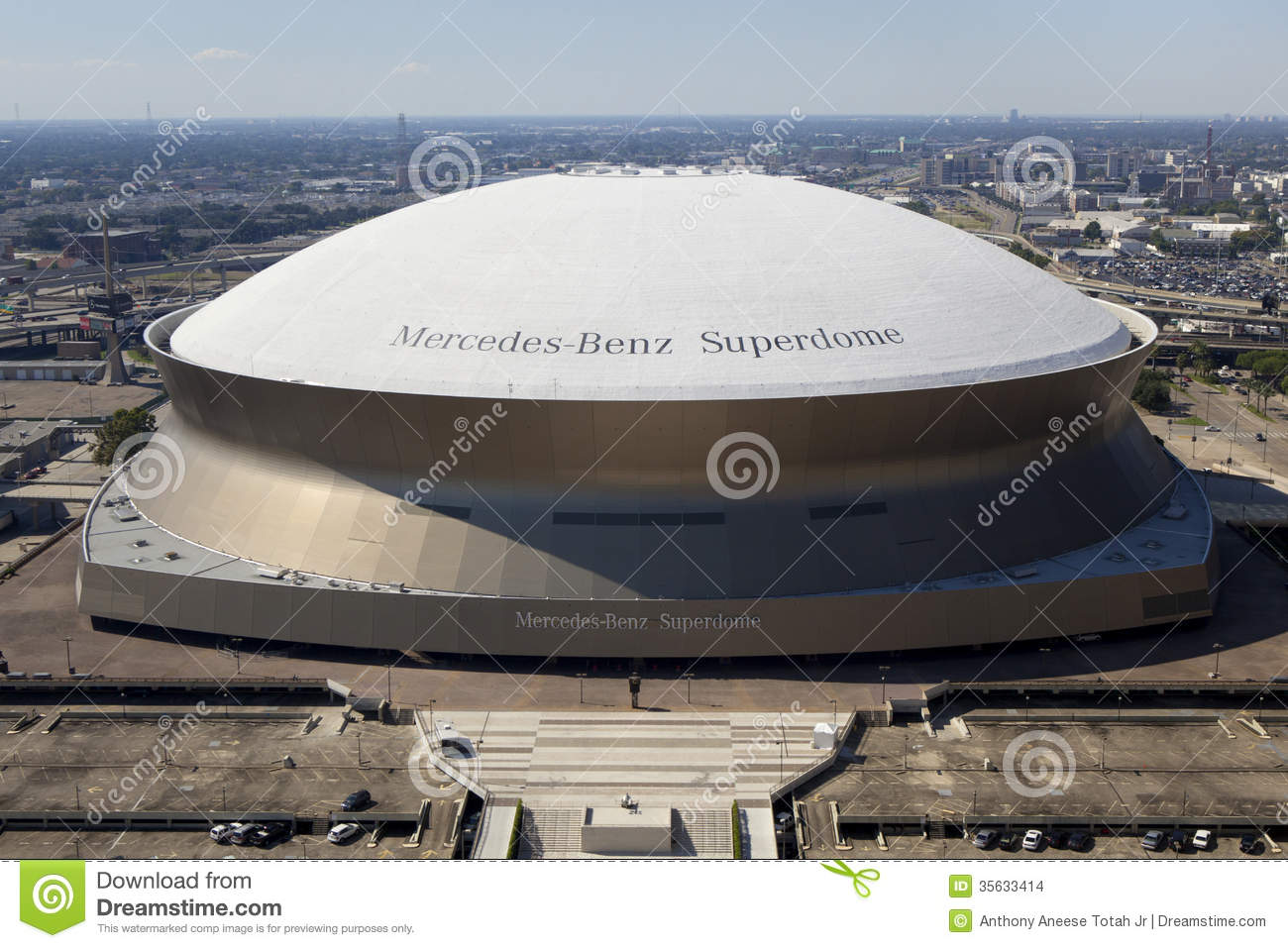 Superdome new orleans louisiana editorial stock image for Mercedes benz superdome new orleans la