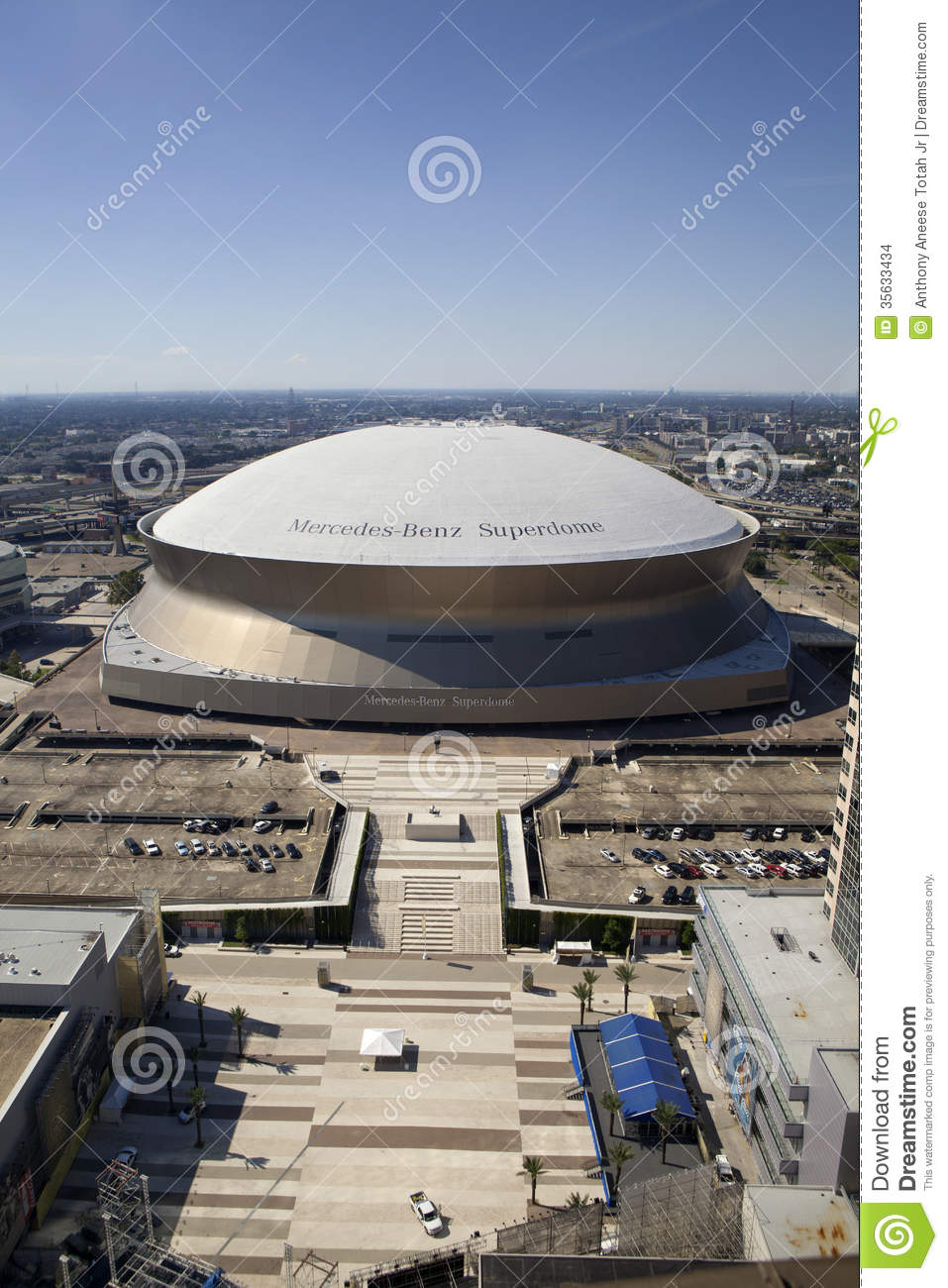 Superdome new orleans louisiana editorial stock image for Mercedes benz in louisiana