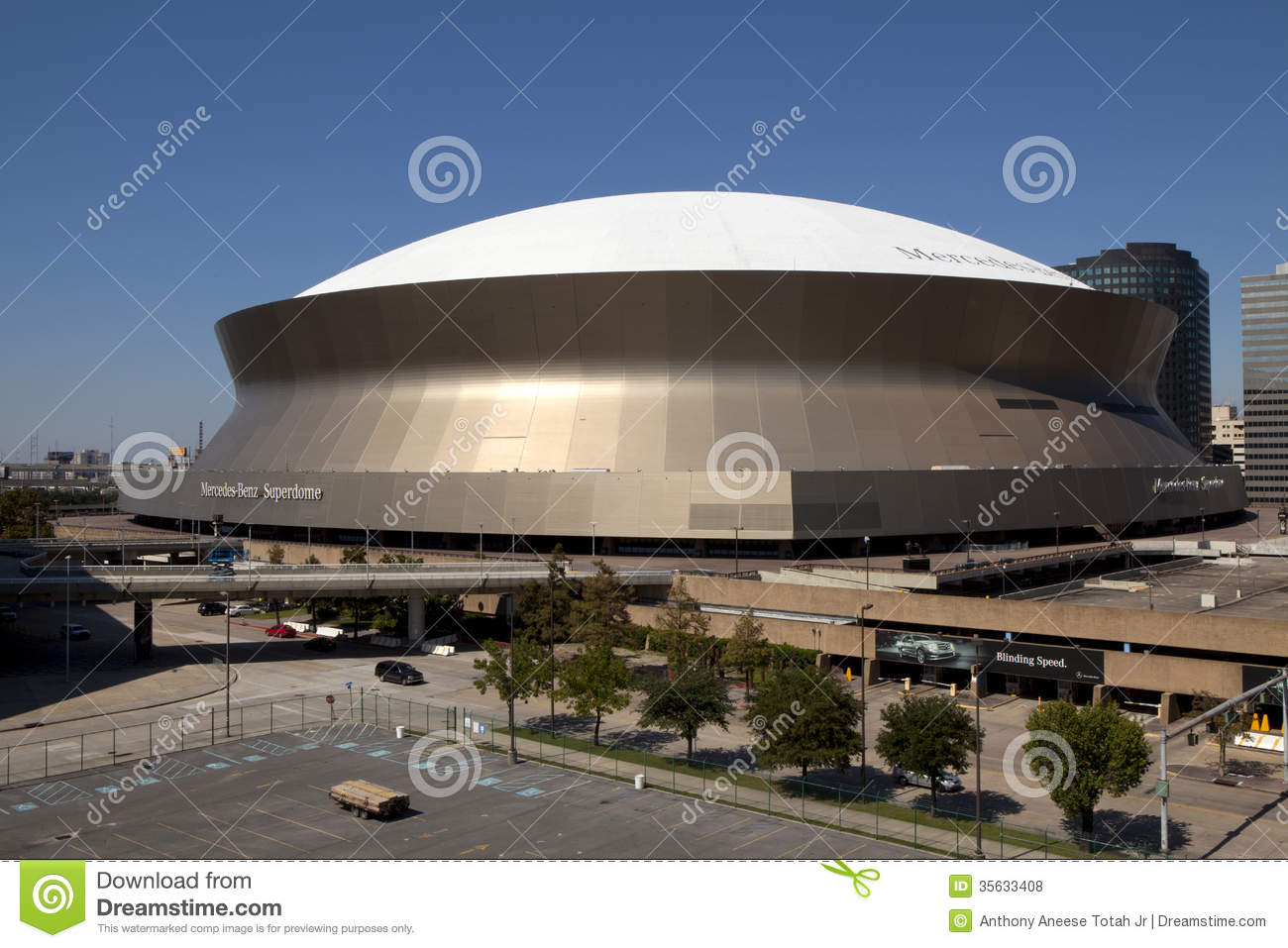Superdome new orleans louisiana editorial stock photo for Mercedes benz in louisiana