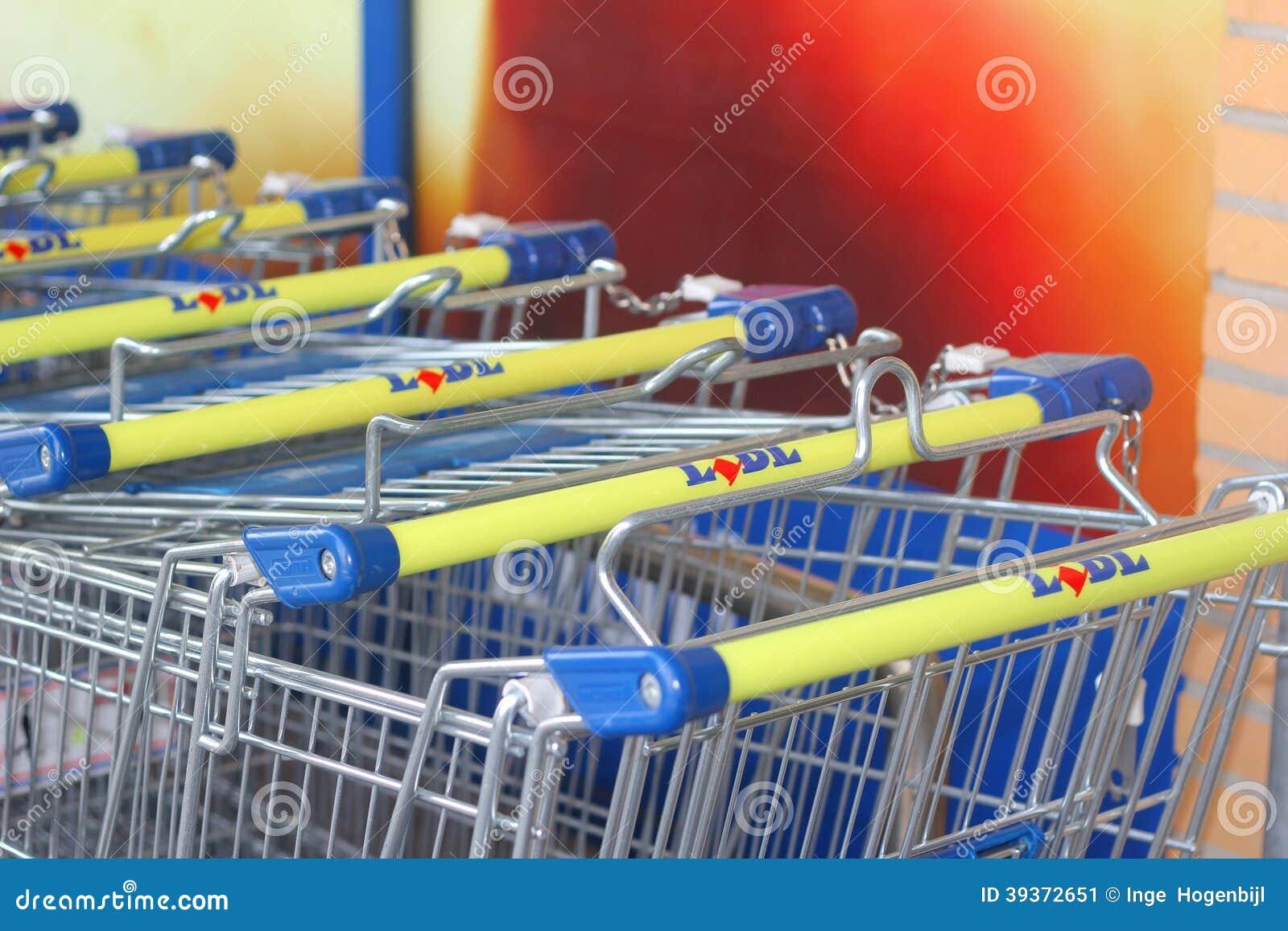 supermarket trolleys of the lidl discount supermarket. Black Bedroom Furniture Sets. Home Design Ideas