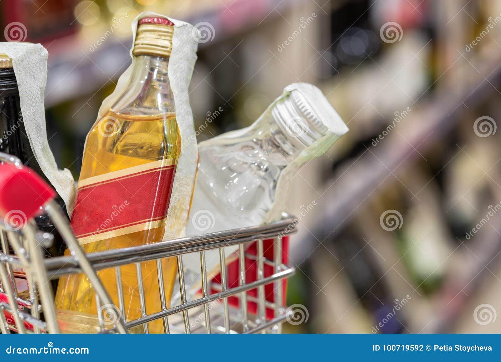 Supermarketa sklepu plamy abstrakcjonistyczny tło z wózek na zakupy