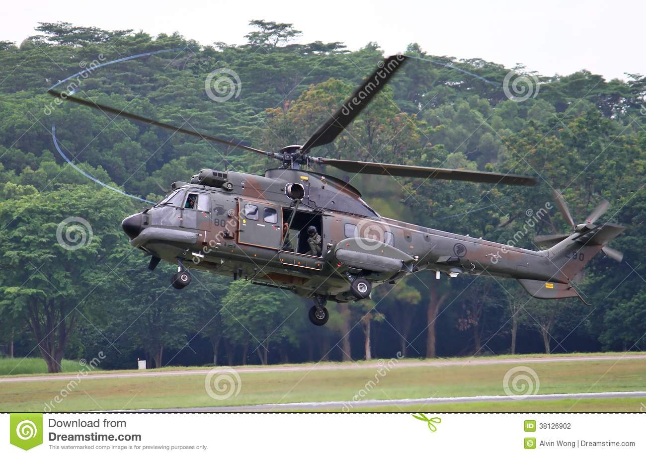 Elicottero Hovering : Rsaf super puma helicopter editorial photography image