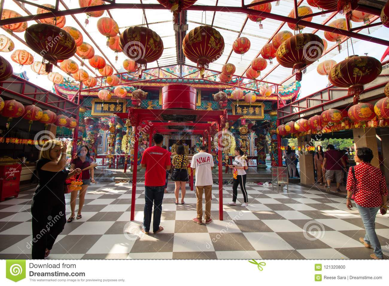 Suphanburi Chinese temple Thailand - 21 January 2018: Worshipers