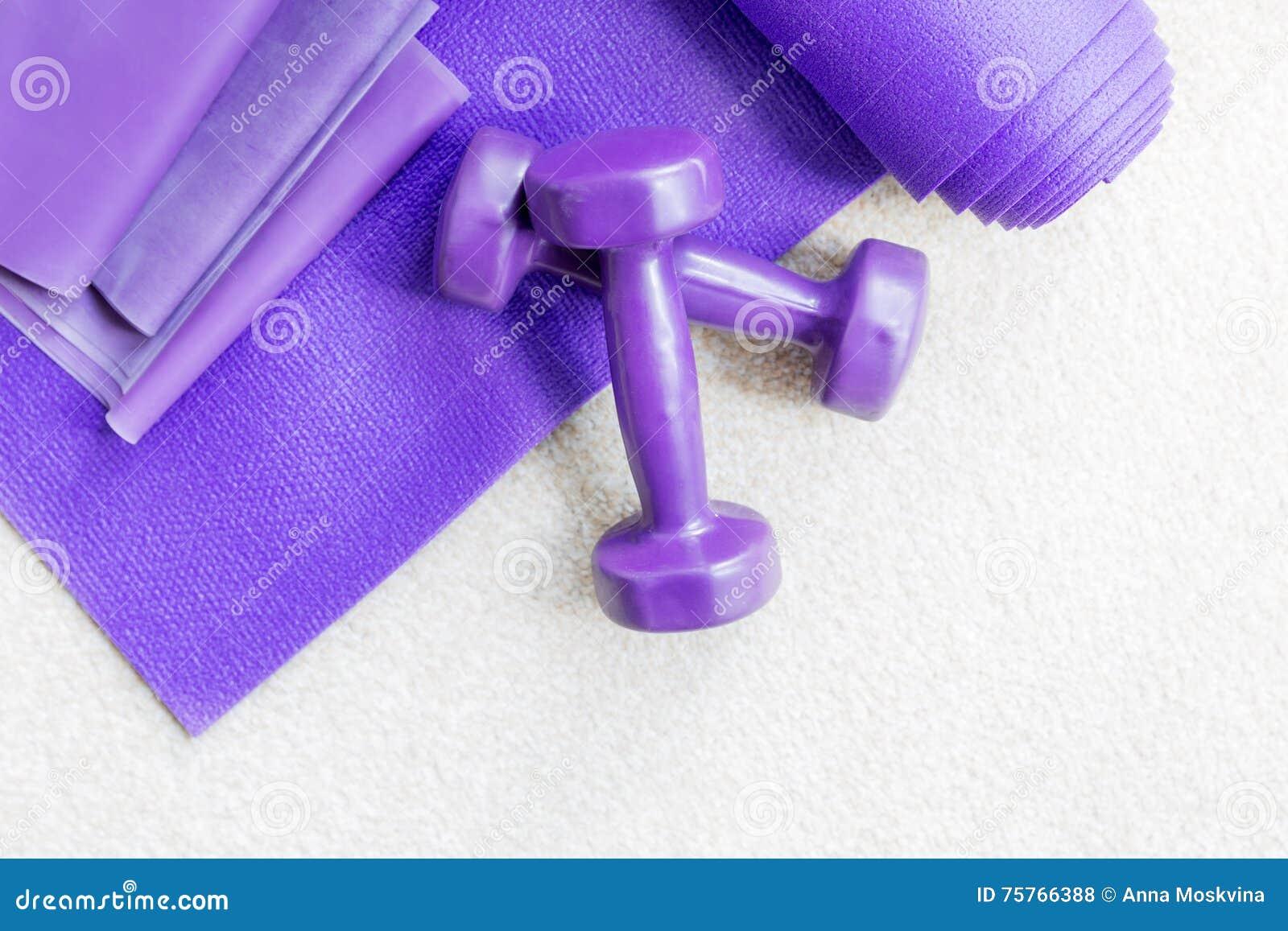 Suportes do equipamento dos pilates da ioga da aptidão no tapete