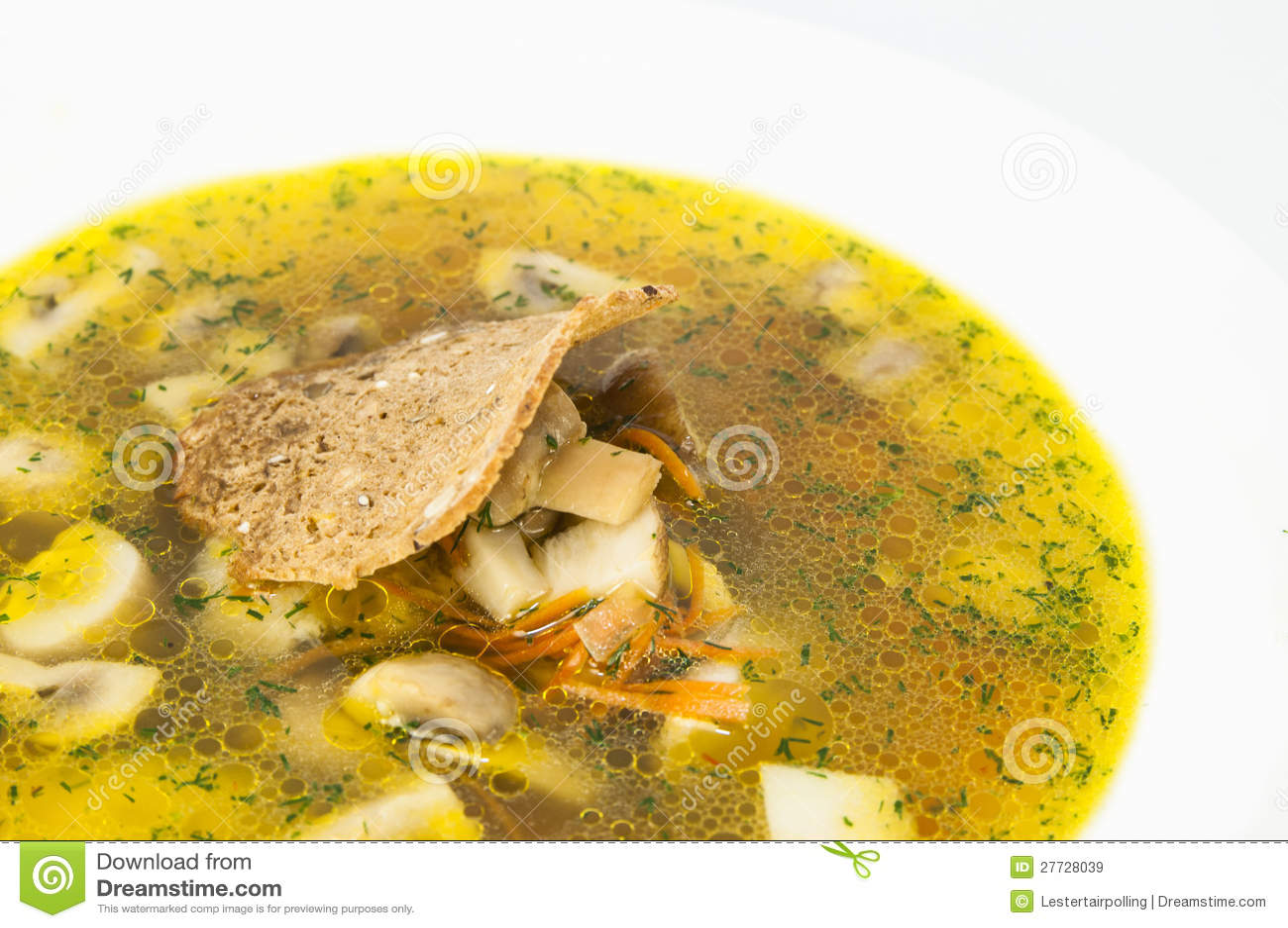 Suppe mit Pilzen und Bohnen