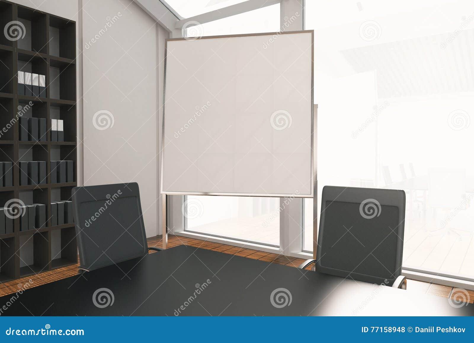 Support vide de tableau blanc dans la chambre