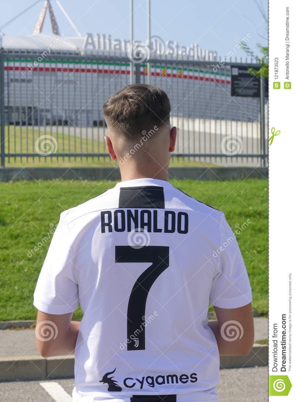 info for ad85e bc618 Supporter Of Juventus Fc Wearing Cristiano Ronaldo Jersey ...