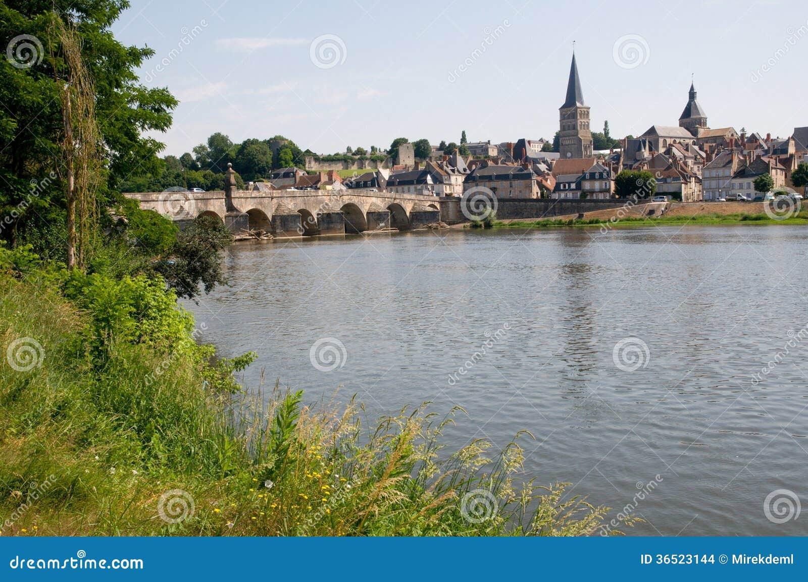 Sur la Loire, France de Charité
