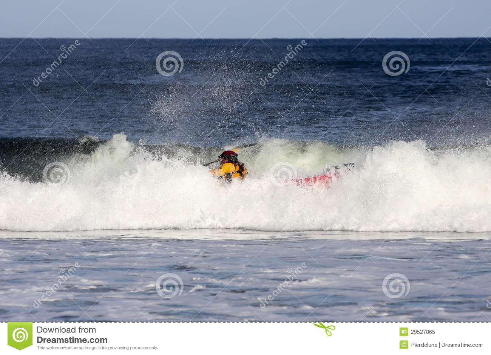 Surfar do caiaque