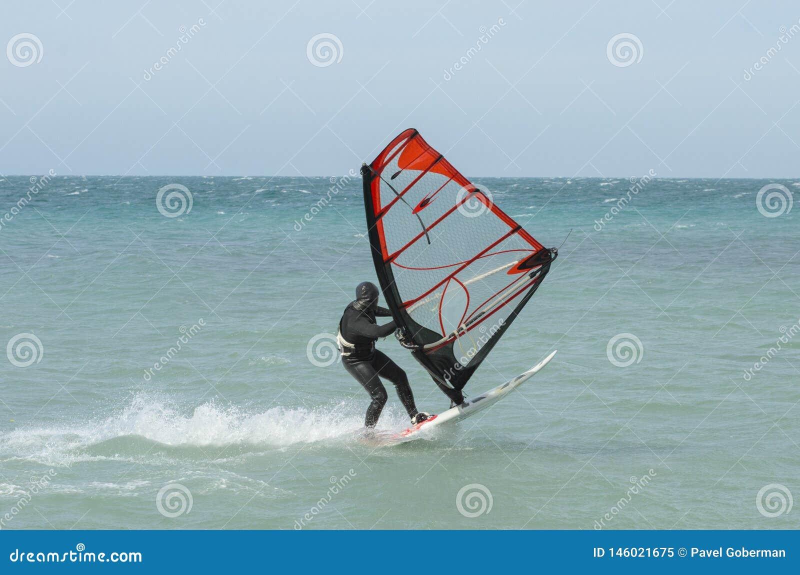 Surfareritter i Blacket Sea Anapa Ryssland