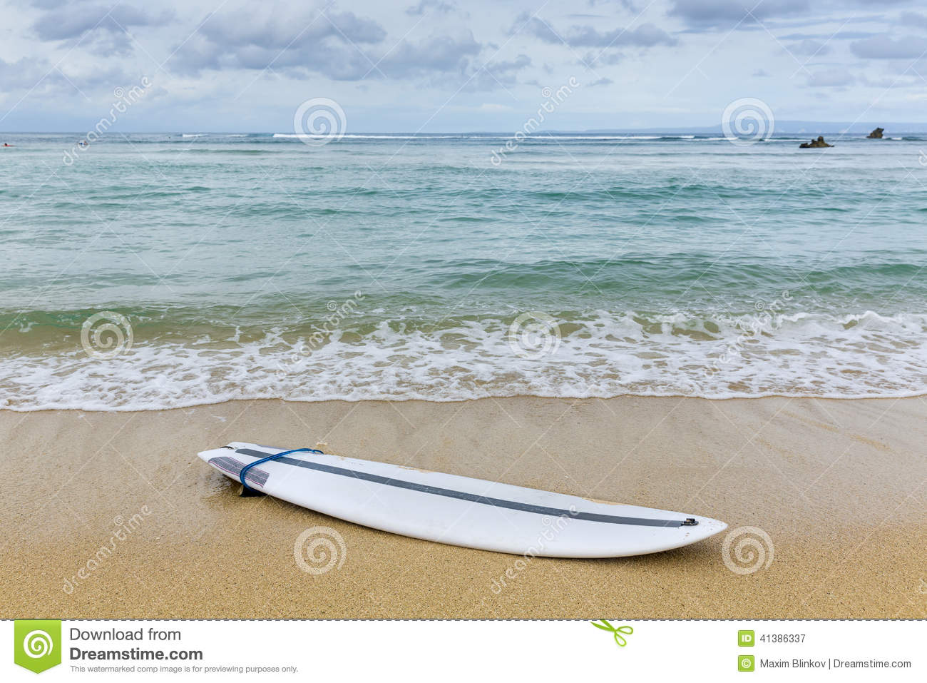 Surfboard Lying On Sand Near The Ocean Stock Photo - Image ...