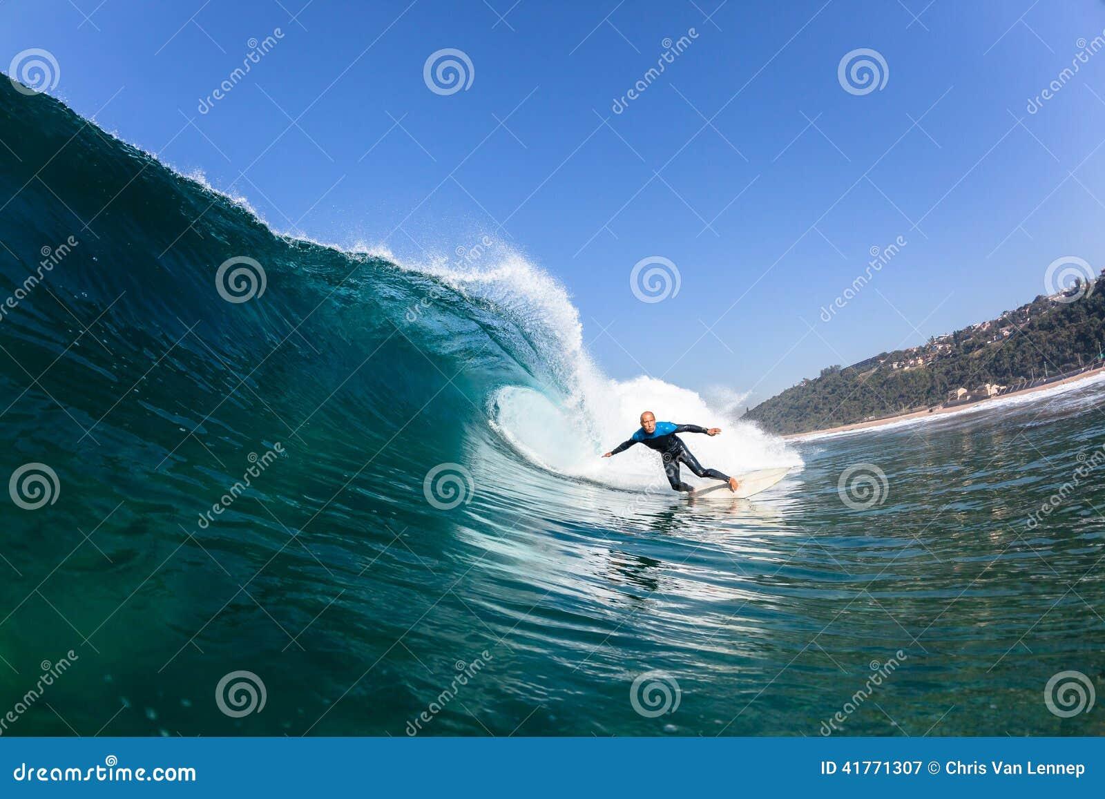 Surfendes Surfer-Fahrwellen-Wasser