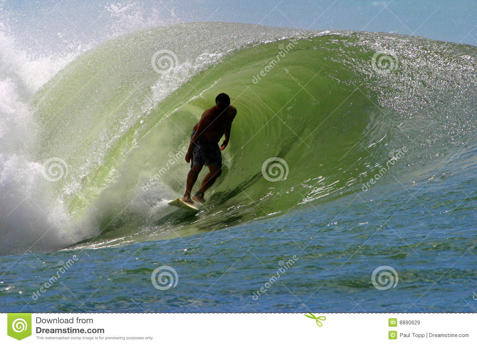 Surfer die een Golf van het Buizenstelsel surft
