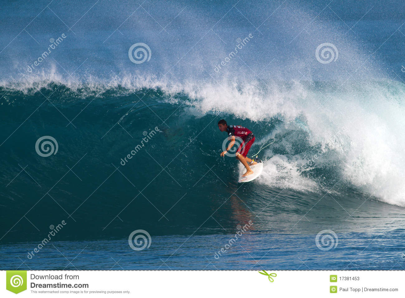Surfer Ian Walsh Surfing in the Pipeline Masters