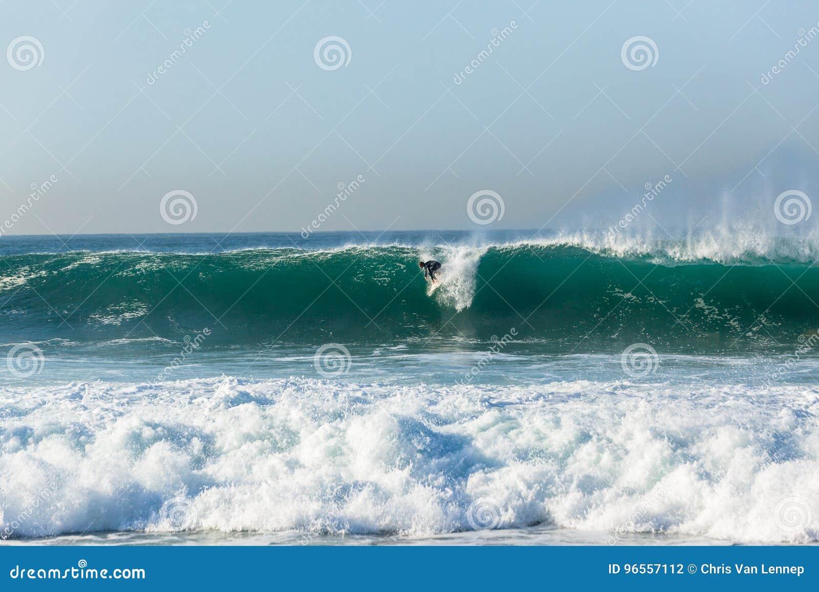 Surfingowa surfingu fala