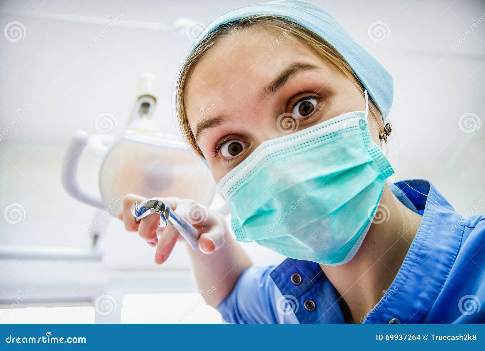 Помощь сексуальный стоматолог текст
