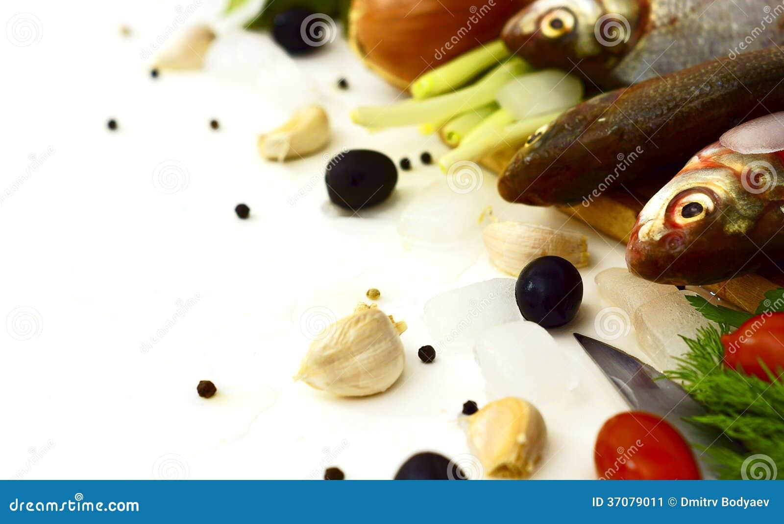 Download Surowa ryba i warzywa obraz stock. Obraz złożonej z przetwarzający - 37079011