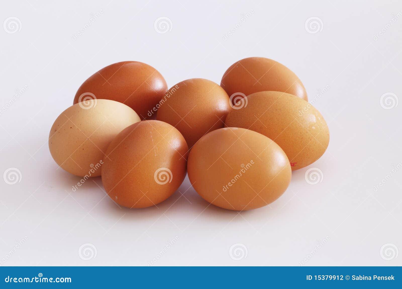 Surowi kurczaków jajka