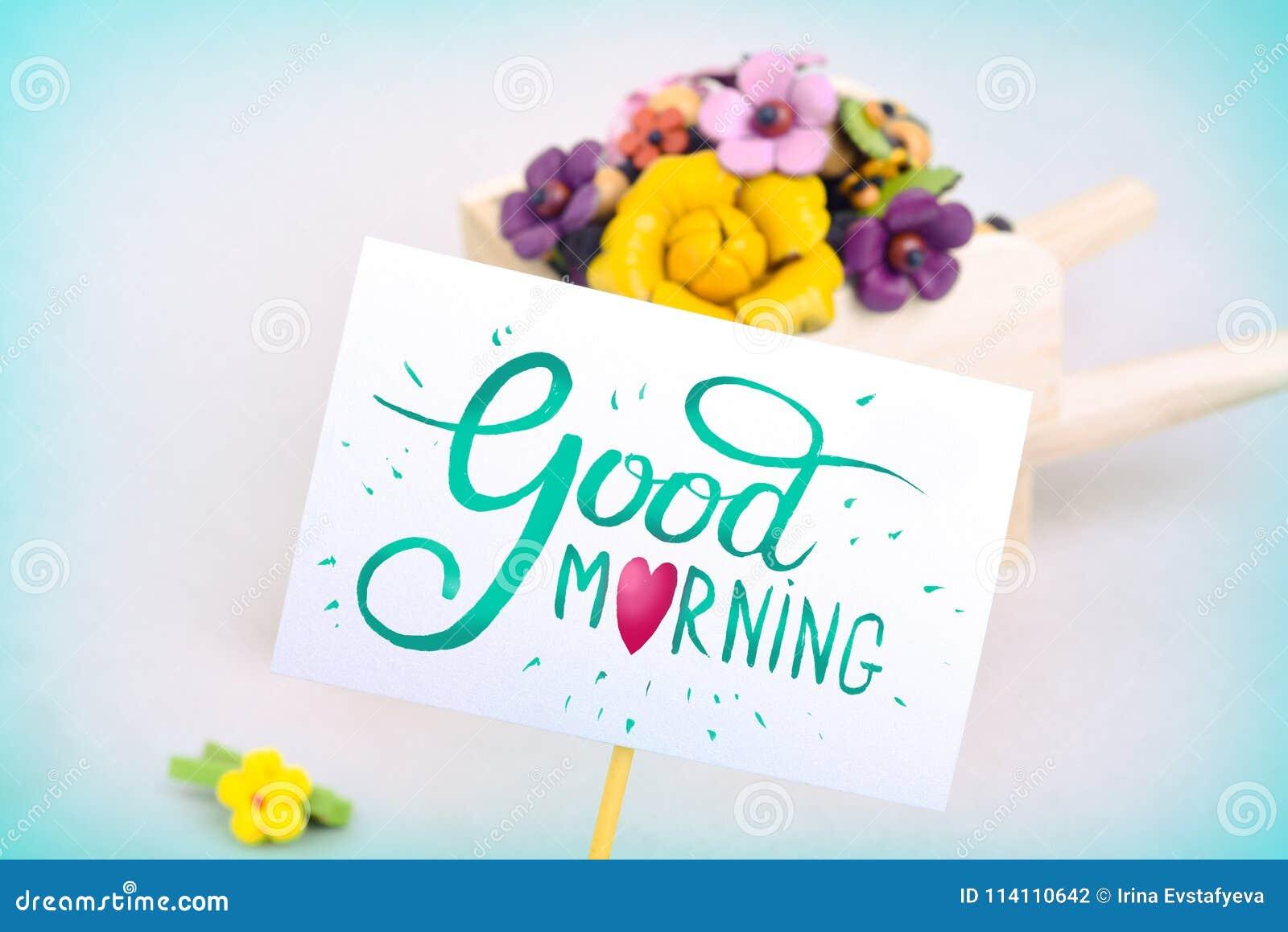 Surpresa Da Manhã Carrinho De Mão Com Flores E Um Cartão