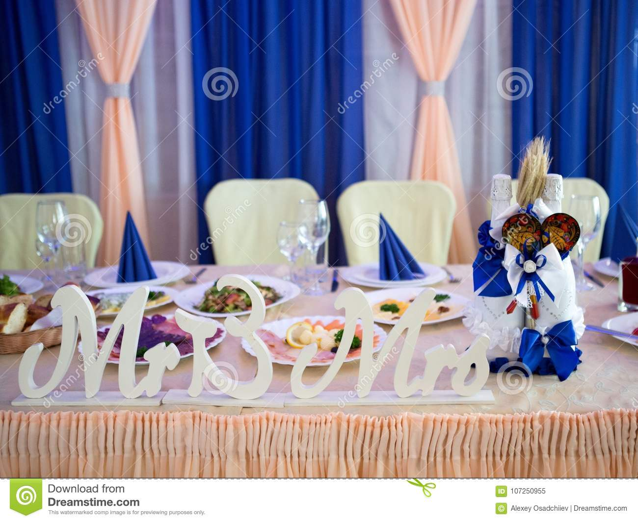 Surprise For Woman Stock Image Image Of Dining Date - Book table for dinner