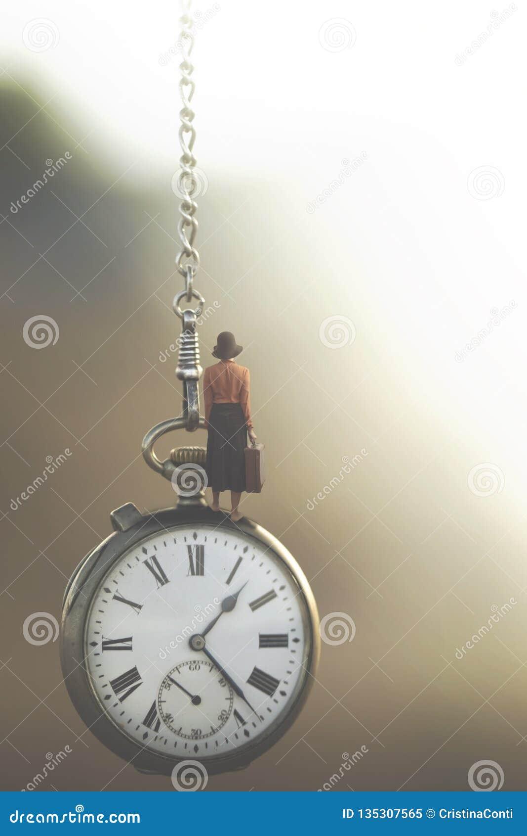 Surreal beeld van een bedrijfsvrouw die onder de controle van snelstromende tijd reist
