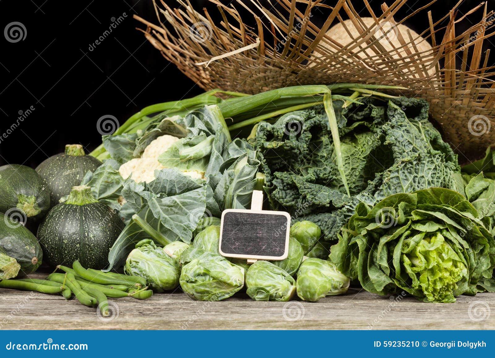 Download Surtido de verduras verdes foto de archivo. Imagen de negro - 59235210