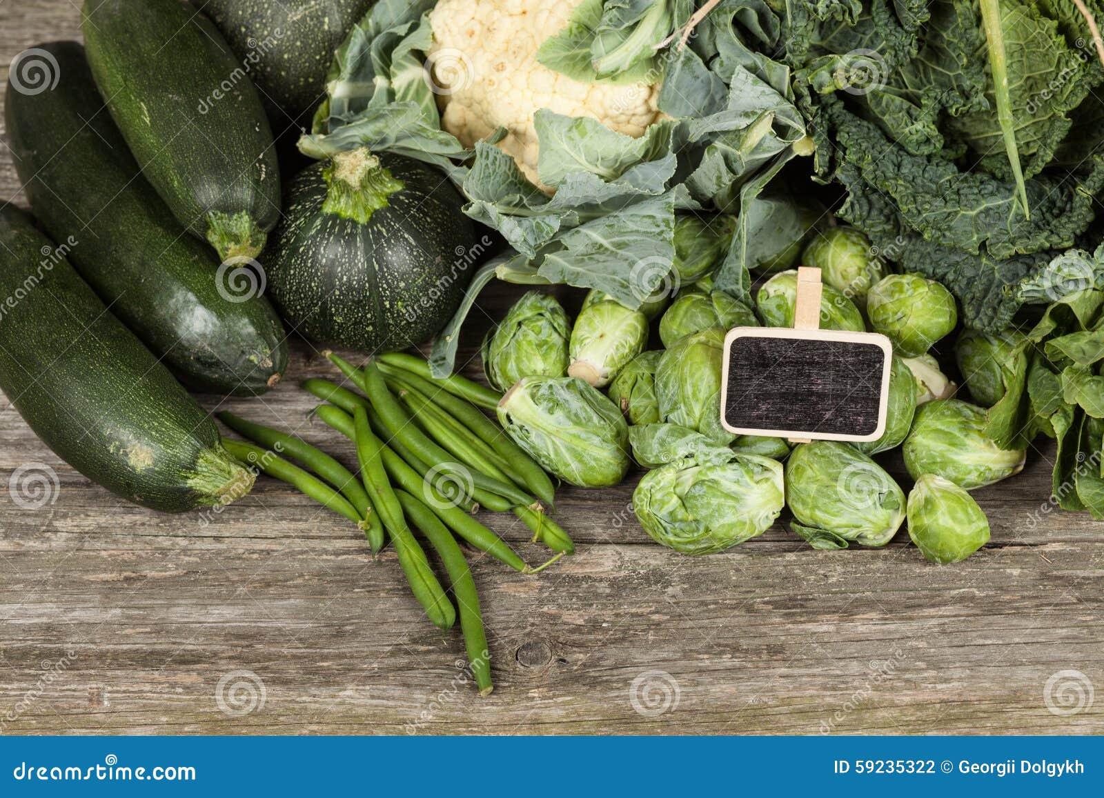 Download Surtido de verduras verdes foto de archivo. Imagen de frondoso - 59235322