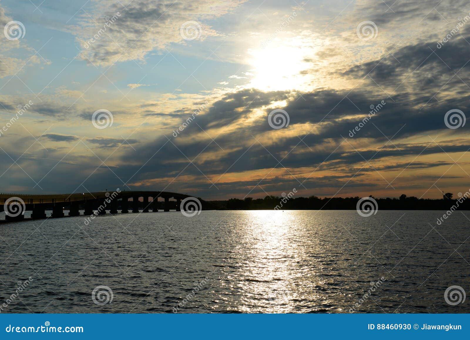Suscite le pont de point, New York hors de la ville, Etats-Unis