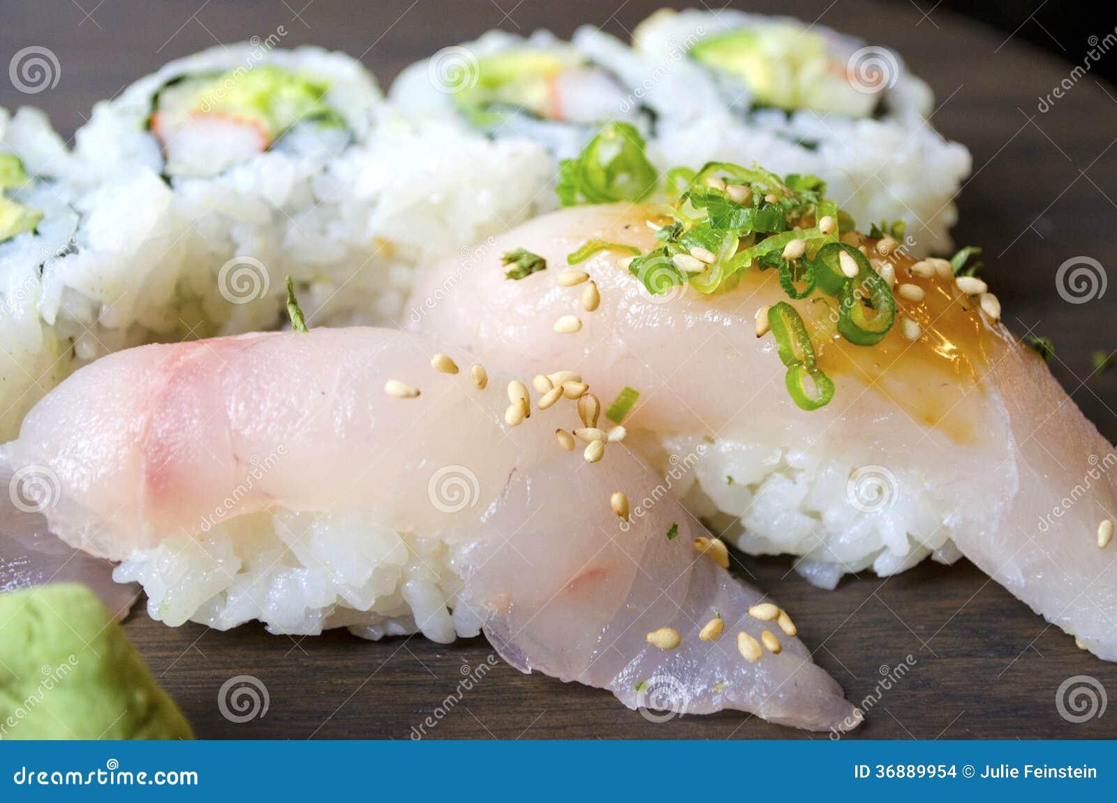 Download Sushi fotografia stock. Immagine di sushi, pranzo, grezzo - 36889954