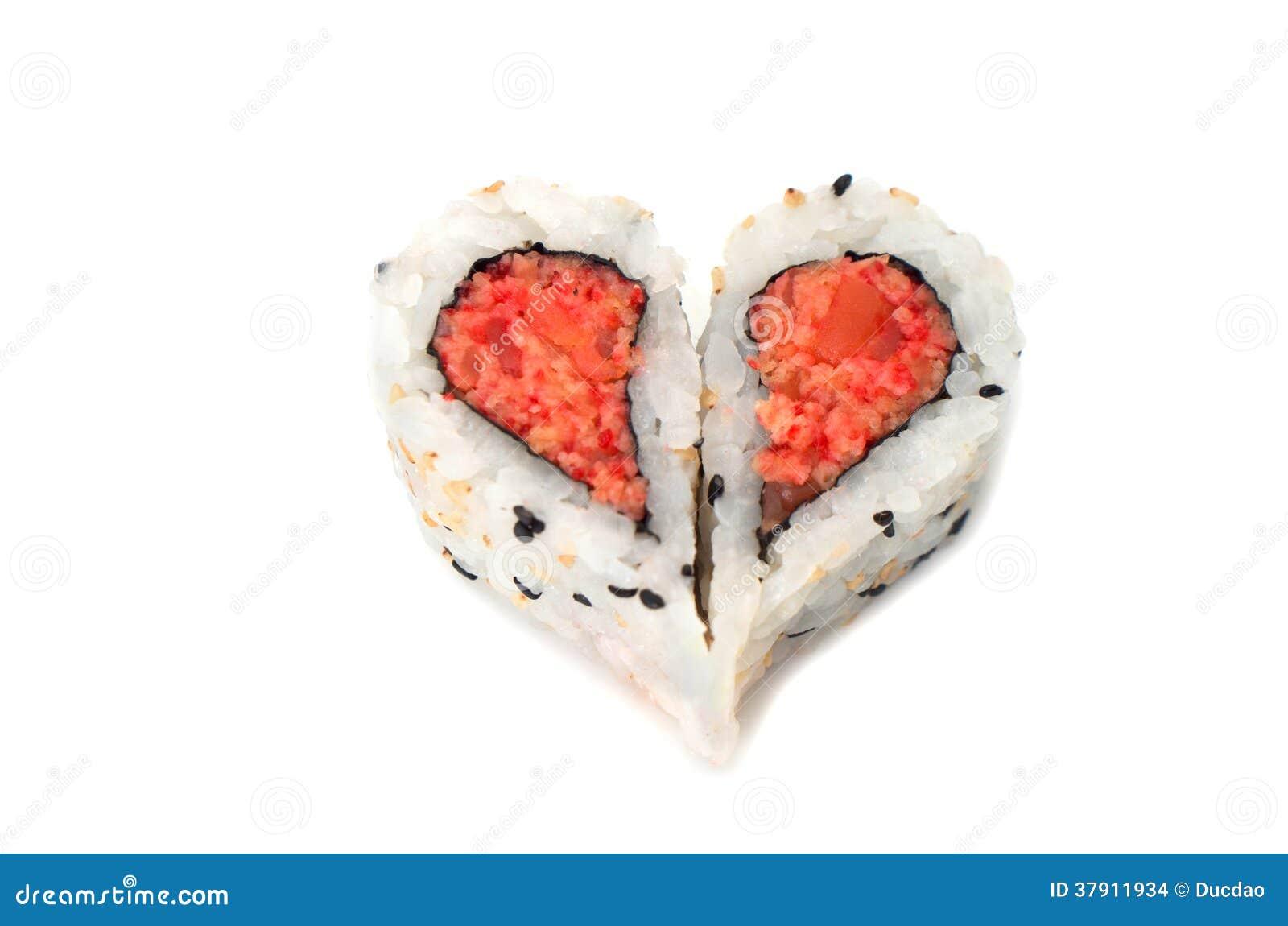 sushi che formano concetto di amore di forma del cuore