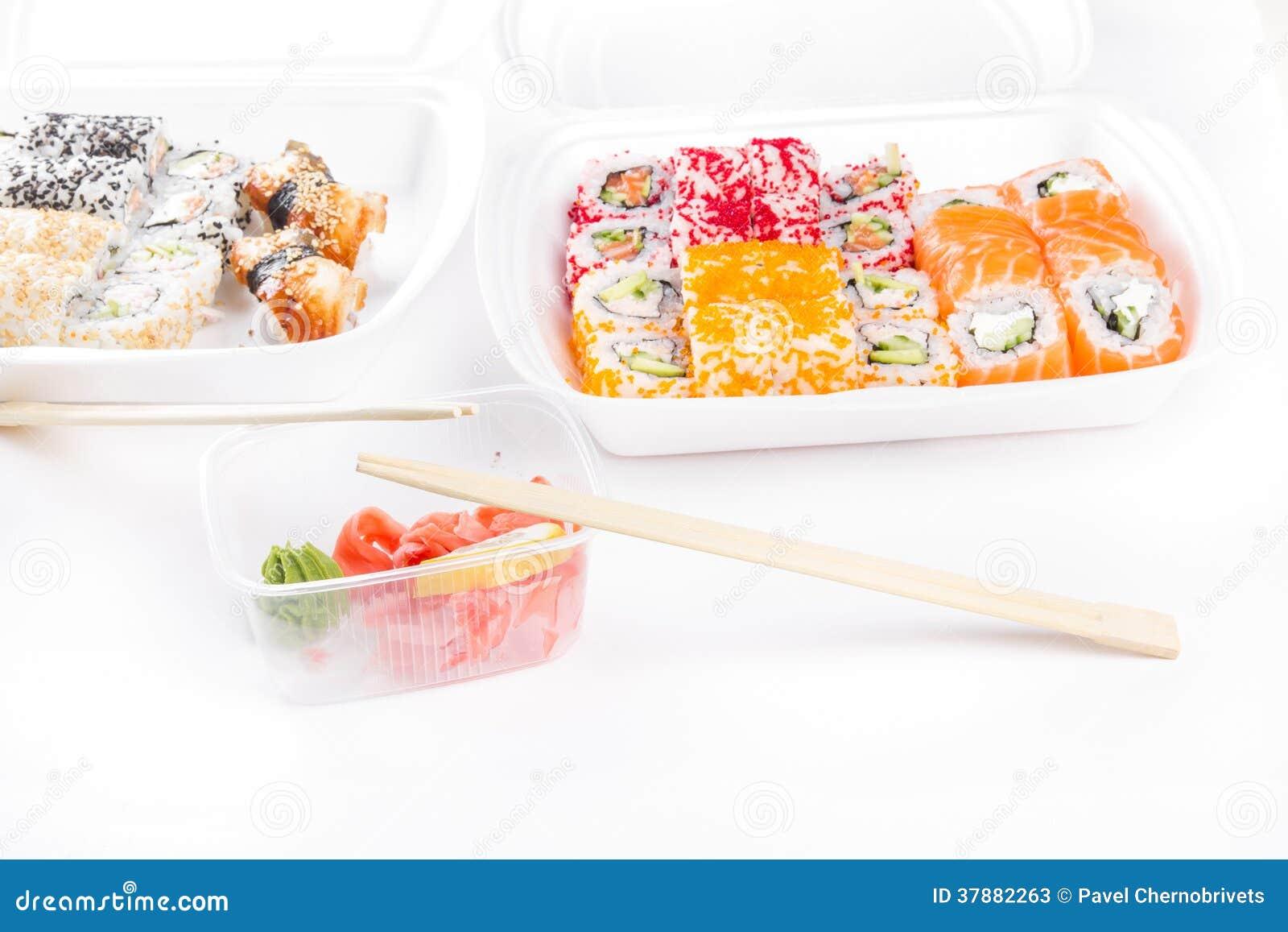 Sushi en broodjesassortiment