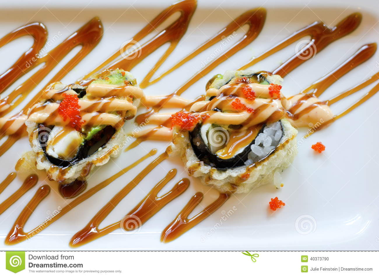 how to eat maki roll